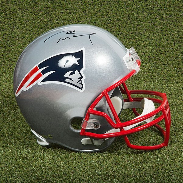 new products 3df26 52661 Tom Brady New England Patriots Signed Full Size Football Helmet
