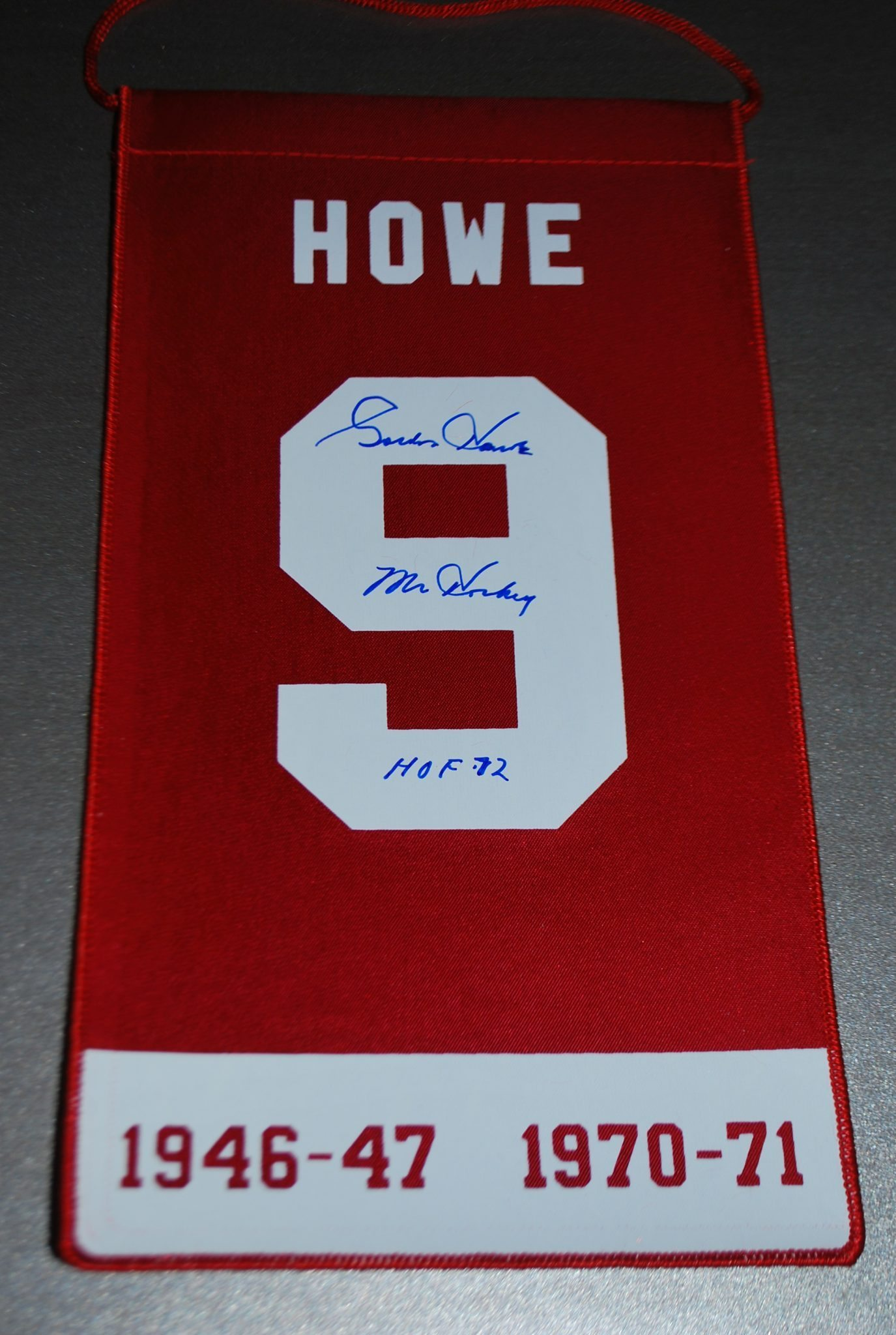 more photos 5776c 3a8d7 Gordie Howe - signed Retirement Banner