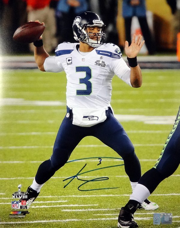 Russell Wilson Autographed 16 215 20 Photo Seattle Seahawks